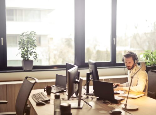 Five reasons to choose VoIP phone service for your business
